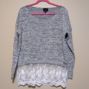 2/$15 Lumiere black and white sweater size large